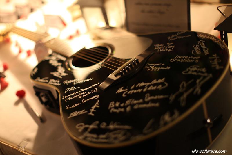 wedding - guest book guitar